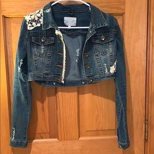Delias cropped Jean jacket